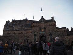 まず、エディンバラ城を下見に。