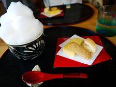 途中、素敵なカフェを見つけたので看板メニューの伝統ぶくぶく茶をいただきます。 正しい作法ではスプーン使わないで飲むらしいけど、難しい! 結局3割くらいスプーンを使うことに。 香ばしいお味でした♪
