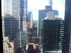 ホテルはニューヨークヒルトンミッドタウン  部屋から少しだけセントラルパークが見えます!w 部屋は28階、広さも十分、バスタブ付き