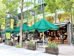 オーバカナルのガーリックトーストが大好きで、行ける機会をいつも狙っているのよねー 京都のオーバカナルより、梅田の方が開放的で心地よいので♪ ほぉ~ら、見た目はとてもヨーロッパ!!
