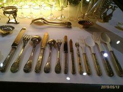 銀器博物館には非常に多くの金銀食器や陶器が展示されている。