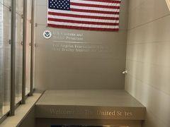 定点観測。 いちおうWelcome to the United States のウエルカム表示。 今回は質問すらなく、私の訪米史上もっともスムーズに入国できました。