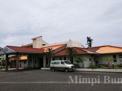 本日泊まるホテルは、奄美きっての綺麗な海岸で有名な、土盛海岸のすぐ近くのコーラスパームス。
