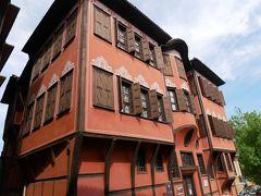 ブルガリア民族復興博物館、名「ゲオルギアディの家」。 1848年にトルコの裕福な豪商によって建てられたもの。