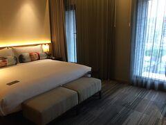 アロフト台北中山は、中山國小駅から徒歩数分のところにあります。スタイリッシュでコストパフォーマスの良いホテルだと思いました。