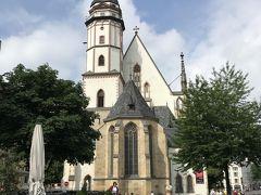 市庁舎から歩いてすぐ、聖トーマス教会が見えてきた。