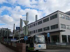 同じカンッピにあるヘルシンキ市立美術館HAMへ。ショッピングセンターをぐるっと回るので、案外遠くに感じました。