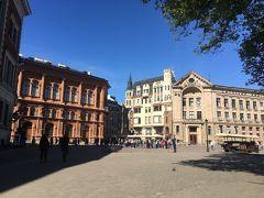 リガ大聖堂前のドゥアマ広場。