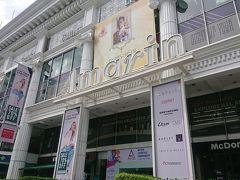 ホテルのお隣のアマリンプラザ。 中が、明るくキレイになり、新しいお店も増えていました。