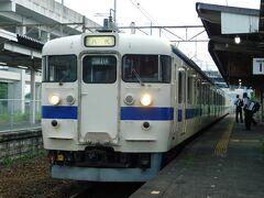 2019.07.06 川尻 梅雨の合間の晴れた日、下り一番列車6321Mで出発!1日1往復の415系である。