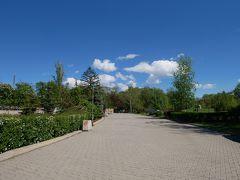 そして到着したのがボリス森林公園。 「ボリス王子の公園」、「自由公園」とも呼ばれているらしい。 ここは1882年~1884年に造られた、ブルガリアで最も古い公園の一つ。 ソフィアの人々の憩いの場になっており、観光客にも人気のスポットらしい。