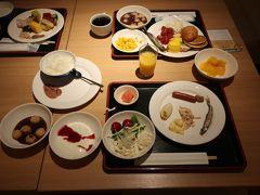 原始林で朝食