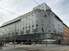 「ヒルトンプラーク旧市街ホテル」 この☆5のホテルに2連泊です。