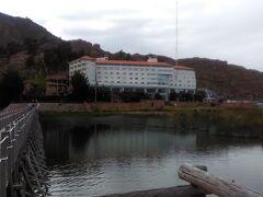 桟橋から見た、ホテル、ホセ・アントニオ・プーノです。