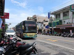 さあ東港から高雄に戻りましょう 帰りのバスは、きれいな車両で来た 行きも帰りも客が少ない!
