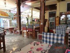4月16日 ピーマイ・ラオの最終日、 レストランは休みが多い。