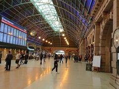 Central駅へ戻ってきました。 なかなか歴史を感じさせてくれる雰囲気の有る駅舎です。