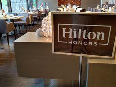 朝食も夕食もオーナーズは席は別れます  オーナーズ席を表示するサイン