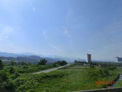 立山連峰が至る所から見えました。 立山と言う山はなく、雄山、大汝山、富士の折立などからなり、 隣には真砂岳、別山、反対側には浄土山があります。 北陸自動車道からです。