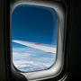 Webで座席指定も済ませておいたのでチェックイン等、簡単でした。窓際の席を並びでとれてよかったです。便利になりましたね。 雲の上は当然いい天気です。