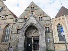 12世紀に建てられた聖ヨハネ施療院の建物を改装した、メムリンク美術館を訪れました。