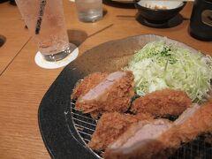 お昼は、平田牧場に来ました。 美味しいとんかつでした。