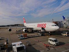 成田空港 スイス インターナショナル エアラインズ:LX161便 10:40発 約12時間のフライトです