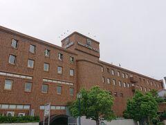 飛鳥寺参拝を終え、ホテルへ。  奈良ロイヤルホテル。  大浴場もついており、格安だったので、旅行サイトから予約しました。