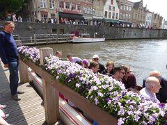 この場所からボートで、観光しました。(10ユーロ)。  ブルージュの運河ボート乗り場は、ここのほか4ヵ所ほどあったと思います。