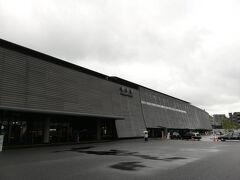 明るい時間の白川口に立つのは、新しい駅舎になって初めてです。