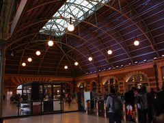 ウィンヤード駅からセントラル駅へ移動。