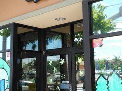 第5日目の朝ごはん カイルアタウンのBoot's & Kimo'sでパンケーキ。