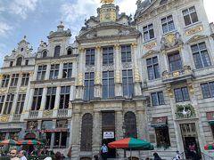 世界遺産。 右から二番目の建物がベルギービール醸造博物館らしい。