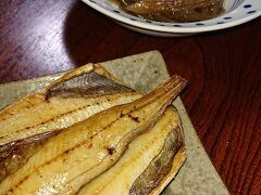 魚元のお料理。上のフキの煮物は旨かった。