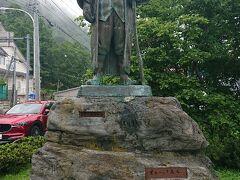 羅臼町にある森繁久彌さんの像