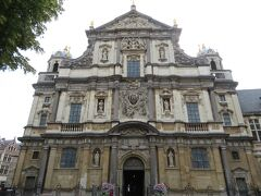聖カロルス ボロメウス教会。  天井画や教会の正面ファサード、主祭壇など、様々な場所でルーベンスが活躍した教会です。
