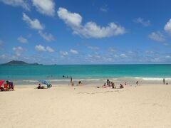 カイルアビーチ! シャワーやトイレも完備されていてとっても落ち着けるビーチでした。