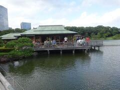 中島の御茶屋(将軍や奥方、公家たちがここで庭園を見た休憩所)