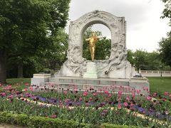 ヨハン シュトラウス像
