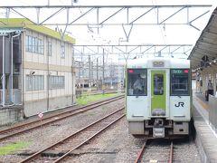 ★11:01 高崎駅到着 高崎までは1時間40分の旅。今回の列車は途中での停車時間が長く、結構時間がかかりました。改札を一旦出て、飲み物と昼飯を買い出し次の列車に乗り換えます。