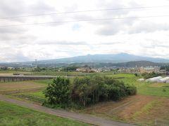 今日は曇り空ですが、赤城山の勇姿が車窓からばっちり!高崎から長野原までは1時間弱。長閑な景色も旅の楽しみの1つです。