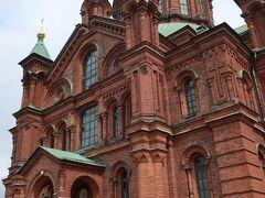 ウスペンスキー寺院 煉瓦が重厚な感じのロシア正教の寺院
