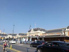 7月20日(土)ニース ヴィル駅 ホテルからUberでニース ヴィル駅まで来ました。