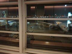 0:40発のフライトでシンガポールへ と思ったら、今年も遅延して1時間後くらいに離陸しました...