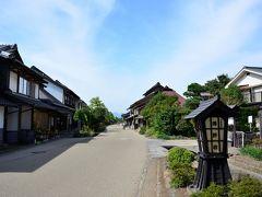 引き続き、宿場町の町並みの方へ。 真っ直ぐに道が延び、その両側に昔ながらの建物が立ち並んでいます。
