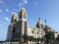 マルセイユ大聖堂 朝食後はホテルから徒歩で行けるマルセイユ大聖堂やセントジョン要塞に行ってみました。