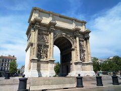 マルセイユの凱旋門 途中に車中から見えました。