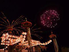 祭りの船は港に陸揚げされていたので、こんな花火もまた一興。