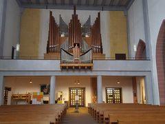 リューデスハイムの聖ヤコブ教会。街の真ん中にあって、外はとても混んでいるのに、この中には誰もいなくて静かだった。