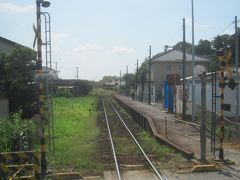 全長4.5kmの竜ケ崎線は、佐貫の駅を出て左にカーブするとほぼ終点まで一直線 唯一の途中駅である入地駅もこんな感じ 油断すると通過しちゃうんじゃないか…と思われる